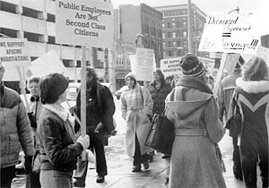 Linn County Social Services employees picket the Cedar Rapids office in 1981